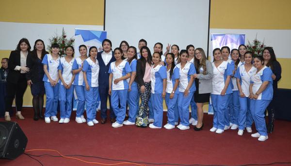 Ceremonia de La Primera Generación de Estudiantes de Técnico de Nivel Superior en Odontología