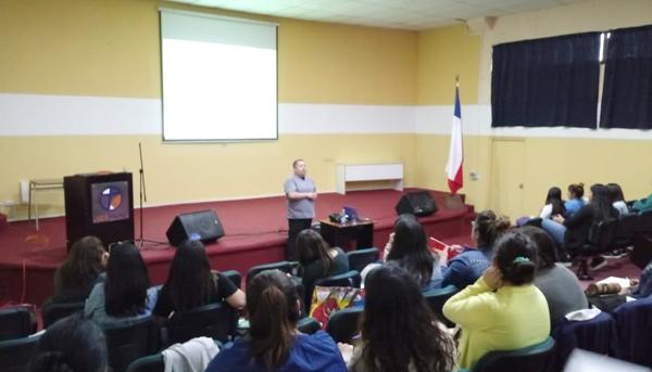 Clase práctica del módulo de Prevención de Riesgos Escolares (Primeros Auxilios)