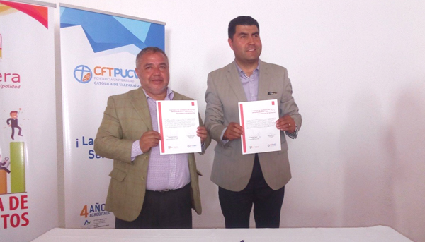 Firma convenio Cooperación Mutua con oficina de Proyecto I. Municipalidad La Calera y certificación Taller Recetas Navideñas
