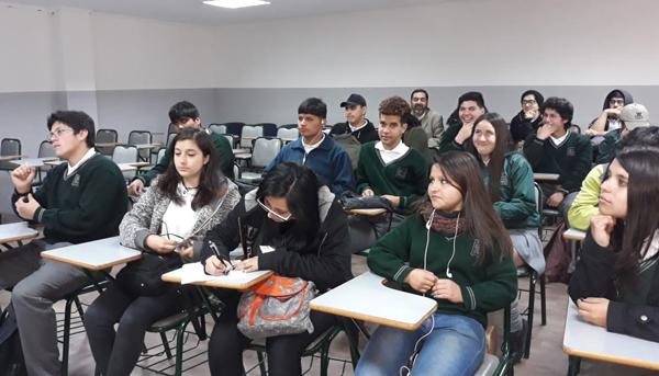 """Día Abierto """"Visita del Liceo María Luisa Bombal través del programa PACE de la PUCV"""""""