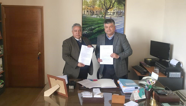 Firma convenio entre la Ilustre Municipalidad de Limache y el CFT PUCV