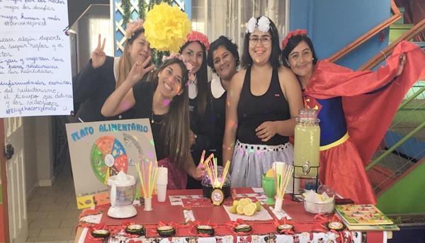 """Feria saludable en Escuela de Lenguaje """"Pequeños Reyes"""" de La Calera"""