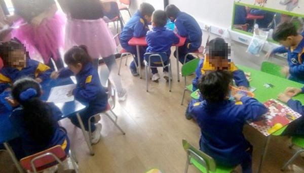 """Escuela de Párvulos """"Miguel Fenollera"""" ejercitan inteligencias múltiples con material educativo preparado por estudiantes de la carrera TNS en Educación Parvularia diurno"""