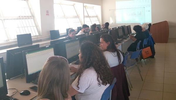 CFT PUCV capacita a funcionarios municipales de Limache en administración de datos en Excel