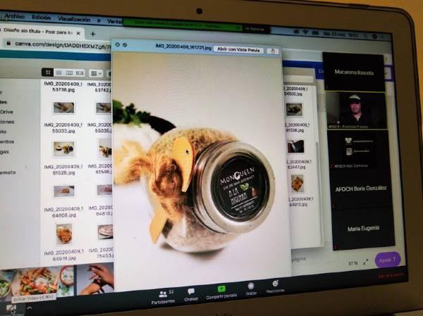 """CFT PUCV y AFOCH realizaron Curso de Fotografía para estudiantes emprendedores: """"¿Cómo obtener las mejores fotografías para tu emprendimiento usando el celular?"""""""