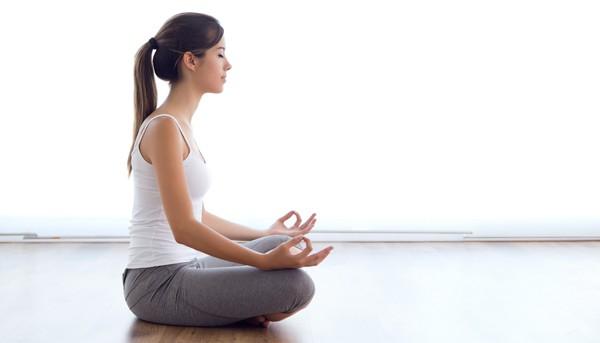 Taller de Yoga / Martes 23 junio 19:00 hrs. / Jueves 25 junio 17:00 hrs.