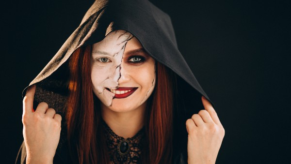 TALLER-CONCURSO: «Maquíllate terroríficamente para Halloween» / viernes 30 octubre / 17:00 a 19:00 hrs.
