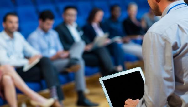 Docentes de CFT PUCV se capacitan en estrategias educativas y metodologías didácticas desde una mirada inclusiva