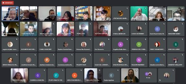 Estudiantes participan en proceso de simulación de visita de pares evaluadores